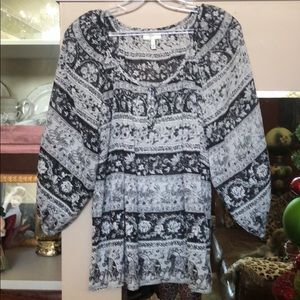 Size small black/gray blouse by Joie😍😘